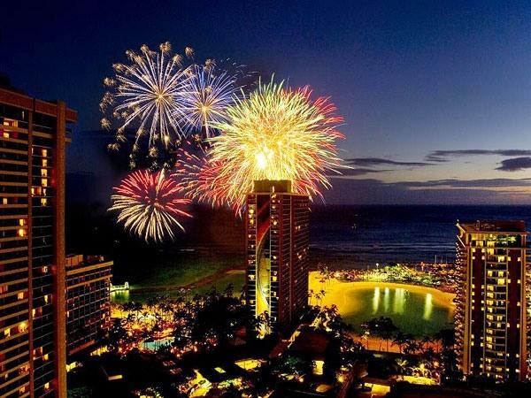 ハワイ ヒルトン 800__hiltonfireworks3