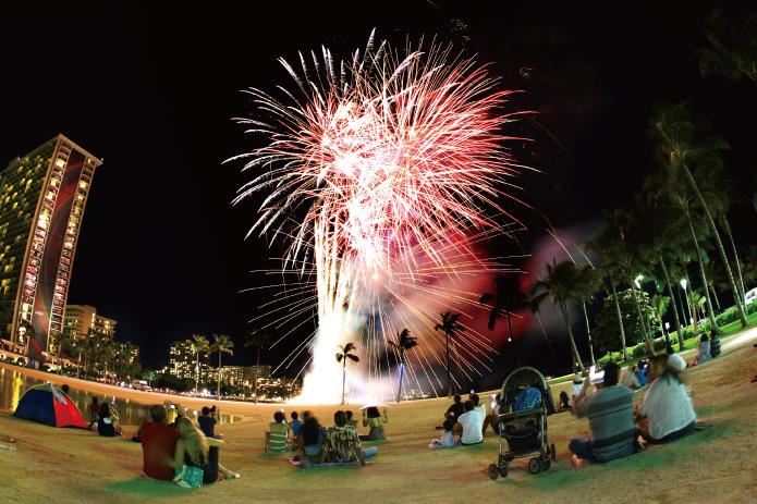 ハワイ 花火 ヒルトンラグーンビーチ1