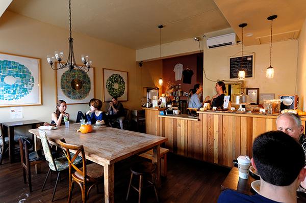 ピースカフェの内装