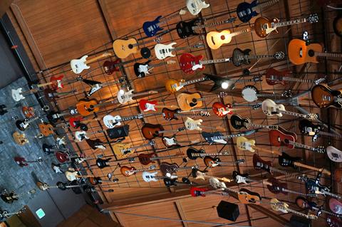 ハードロックカフェの天井ギター