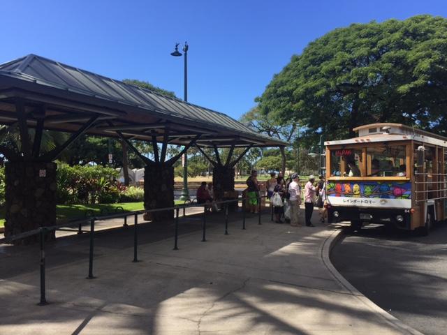 海側のバス停車