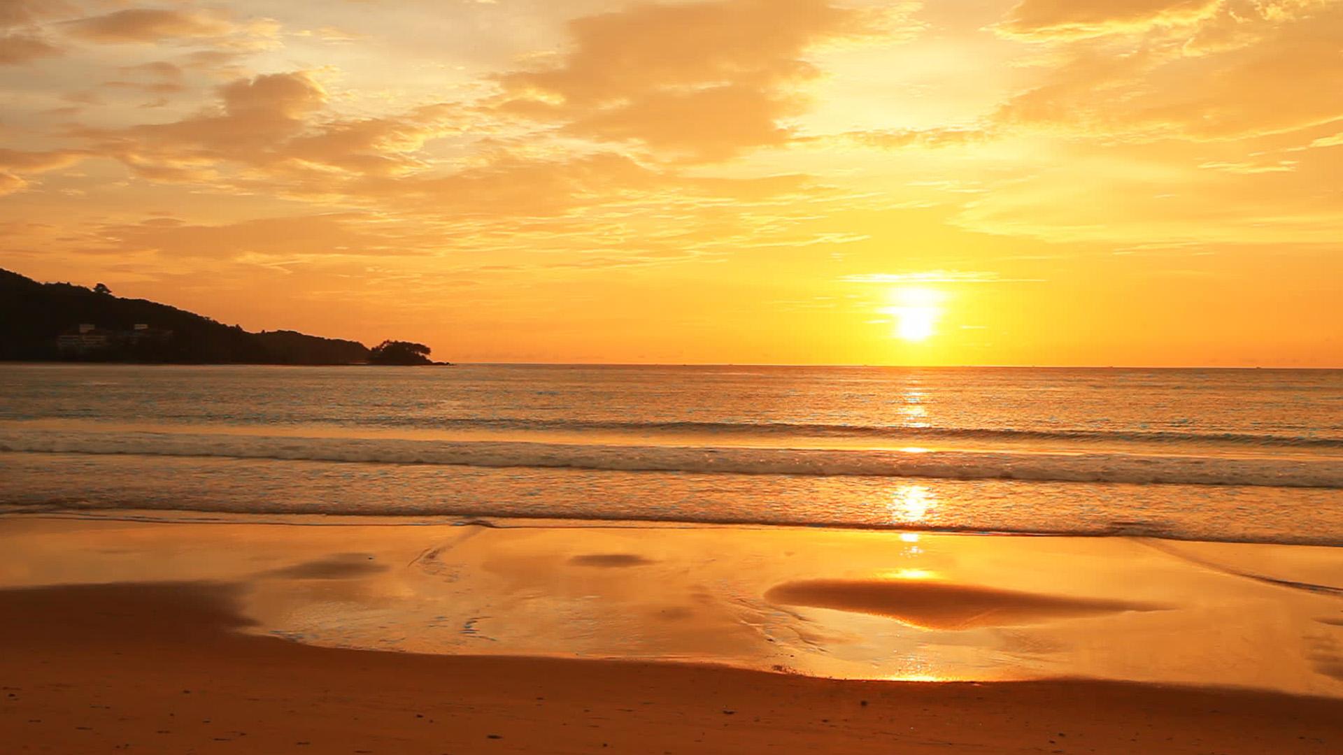 カマラビーチの夕陽