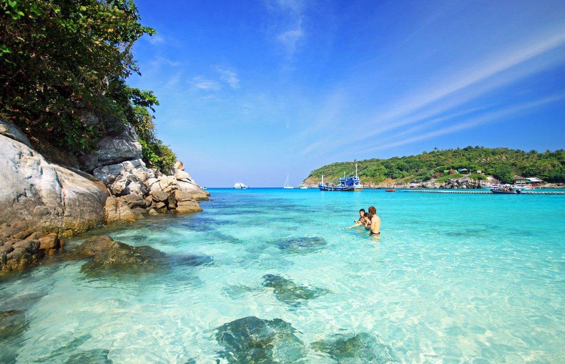 コーラル島の海