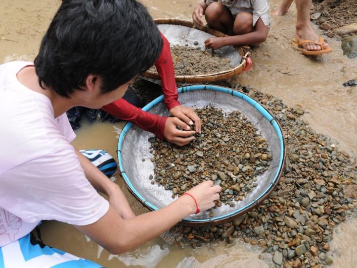 パイリン(カンボジア) 宝石採掘