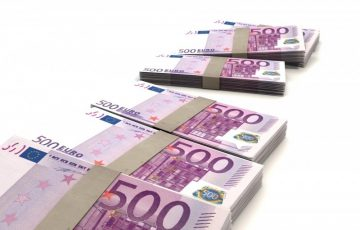 euro-currency-in-banknotes