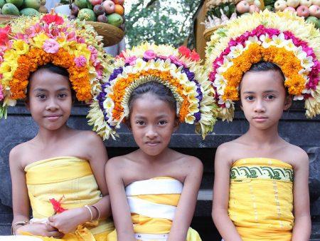 バリ島 面積 人口