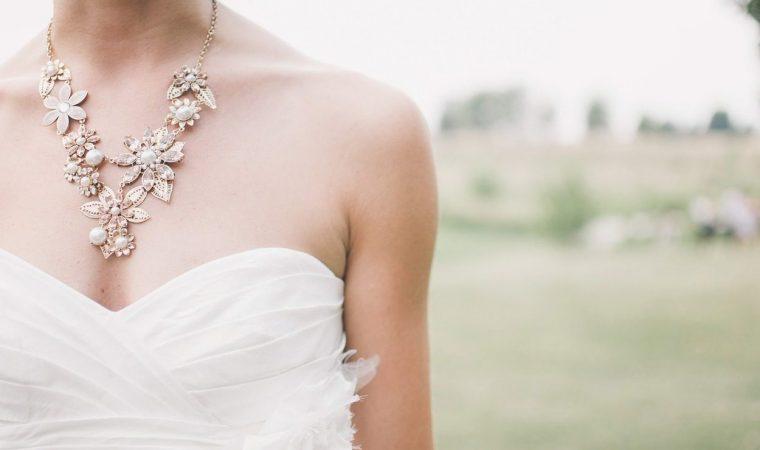 ハワイ 結婚式 ウェディングドレス