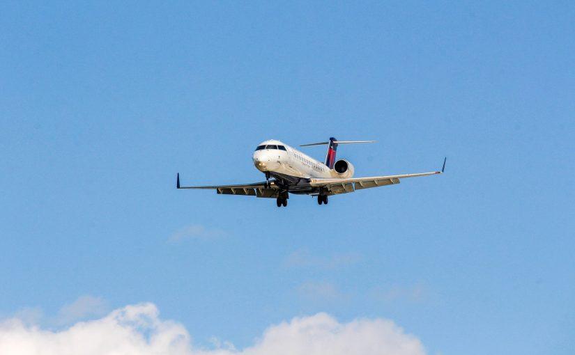 バリ島 飛行機 交際空港