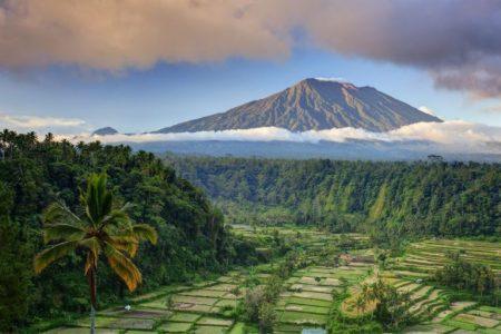 バリ島 アグン山 火の神