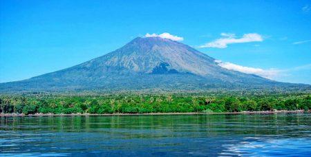 ハワイ 火山 アグン山