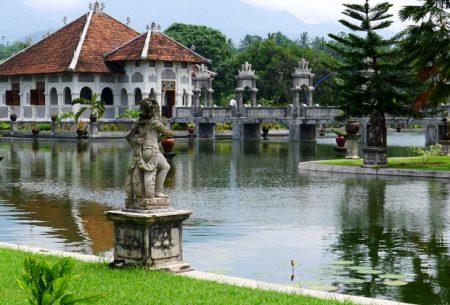 バリ島 名所 タマン・ウジュン宮殿