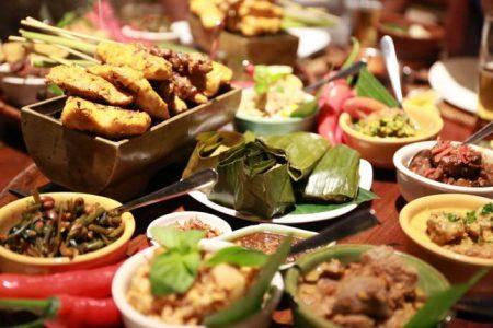バリ島 旅行予算 食事