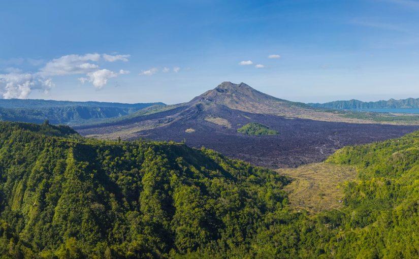 バリ島 火山 3つの活山