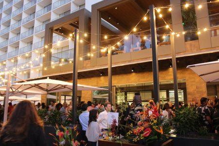 ハワイ アロヒラニリゾートワイキキビーチホテル モモサン