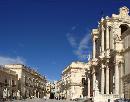 シチリア 観光 ドゥーモ広場