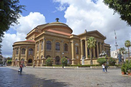 シチリア 観光 マッシモ劇場