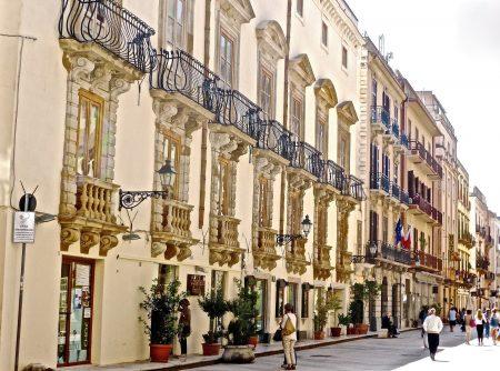 シチリア 観光 トラーパニ小さな町