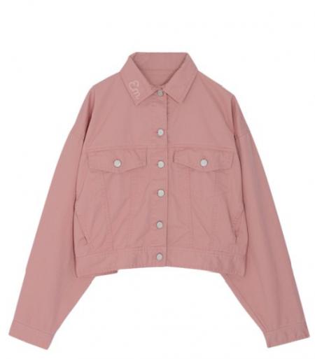 ピンクのデニムジャケット