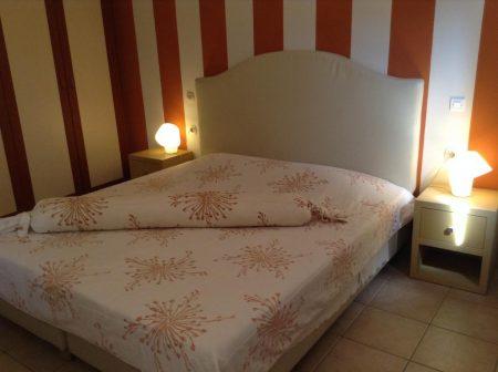 サントリーニ島 ホテル アントニア室内