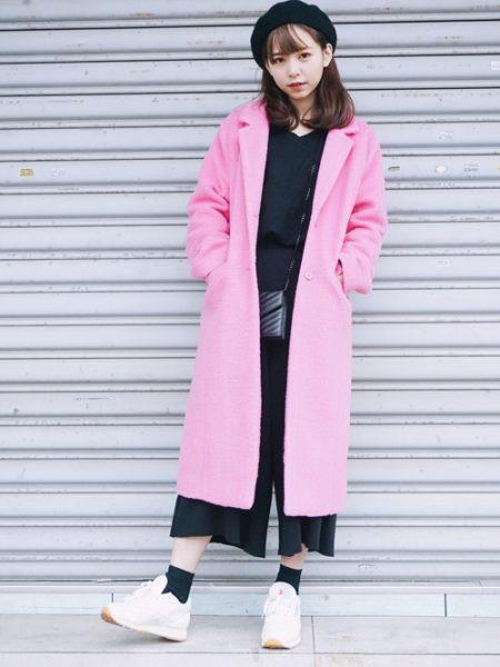 ピンク チェスターコート コーデ