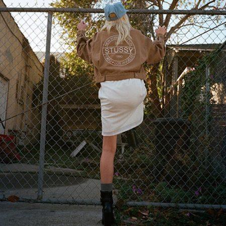アパレル ステューシーロゴ ストリートファッション