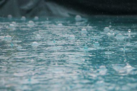 プーケット 雨季 スコール