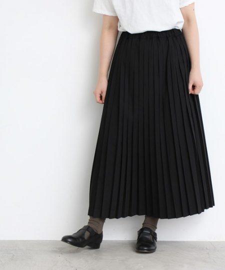 アパレル 秋ファッション プリーツ入りロングスカート
