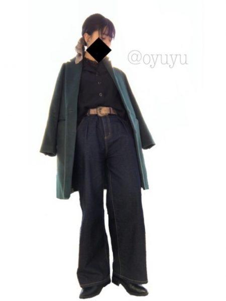 アパレル 黒シャツ ワイドラインデニムパンツ