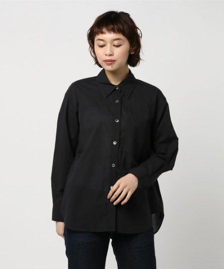 アパレル 黒シャツ