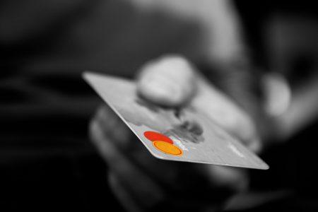 セヴ島 物価 クレジットカード