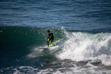 ハワイ サーフィン アラモアナボウルズ