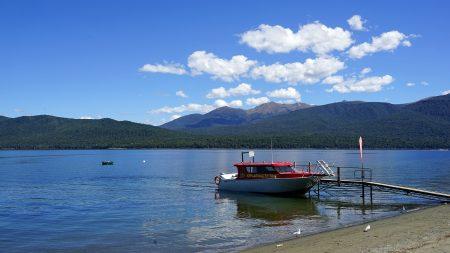 ニューカレドニア 水上コテージ 水上タクシー