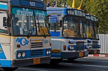 バンコク バス