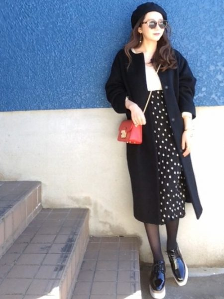 黒 ロングコート 秋