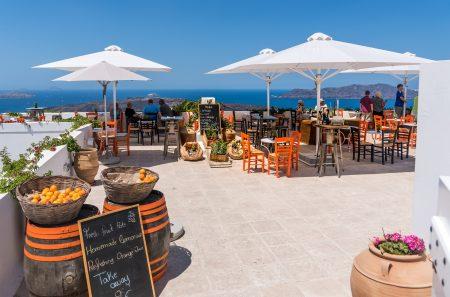 サントリーニ島にある眺めの良いレストラン