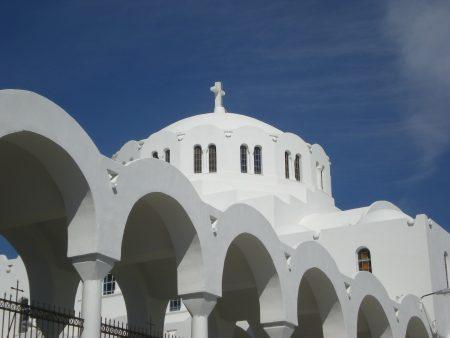 ドーム型の屋根が特徴