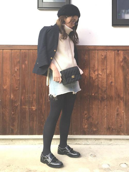 テーラードジャケット × ニット × デニムミニスカート