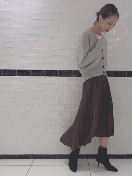 グレーカーディガン プリーツスカート
