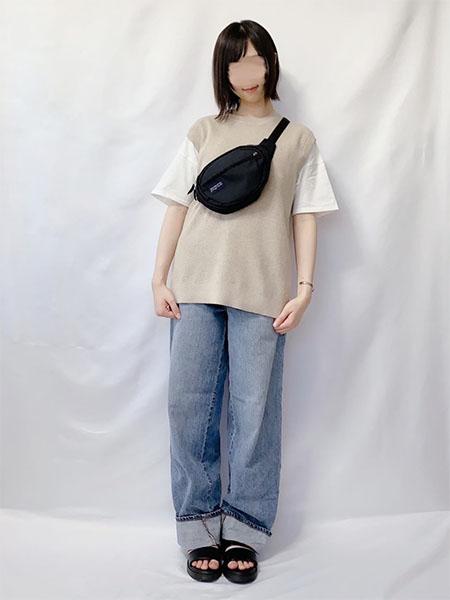 プリントTシャツと合わせたストリートスタイル