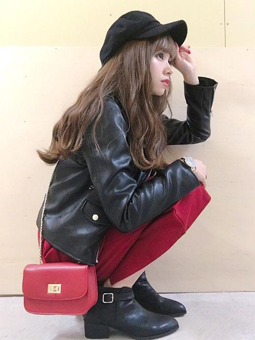 1-7 レザージャケット × 赤スカート × ショートブーツ